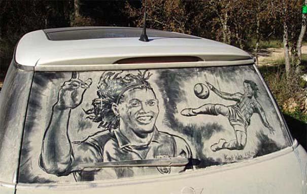 Τέχνη σε σκονισμένα αυτοκίνητα (8)