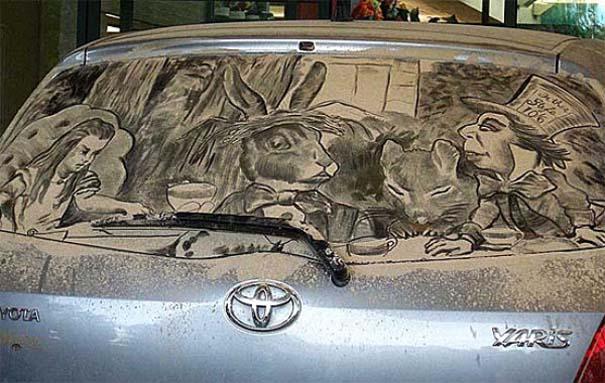Τέχνη σε σκονισμένα αυτοκίνητα (21)