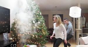 Φάρσα: Το χριστουγεννιάτικο δέντρο που βγάζει καπνούς (Video)