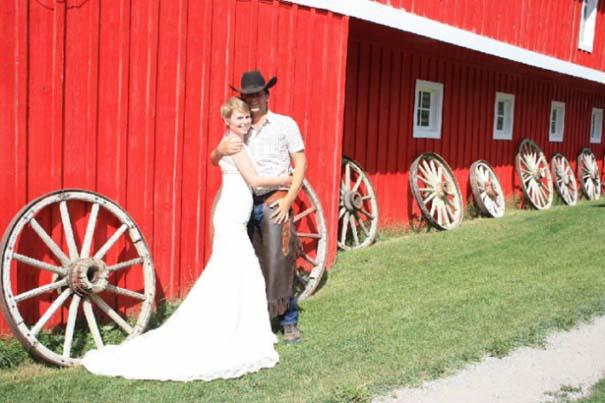 Ζευγάρι παντρεύεται ξανά και ξανά σε όλο τον κόσμο (16)