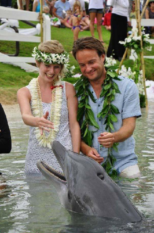 Ζευγάρι παντρεύεται ξανά και ξανά σε όλο τον κόσμο (18)