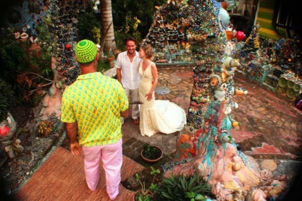 Ζευγάρι παντρεύεται ξανά και ξανά σε όλο τον κόσμο (3)
