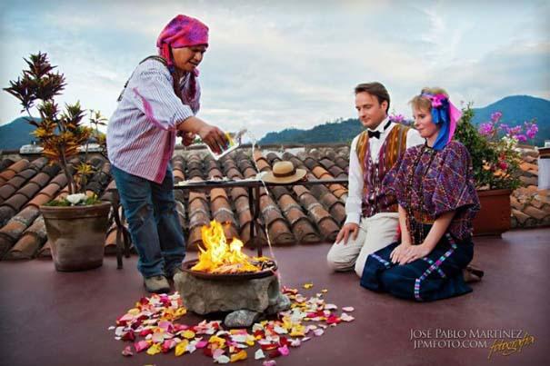 Ζευγάρι παντρεύεται ξανά και ξανά σε όλο τον κόσμο (5)