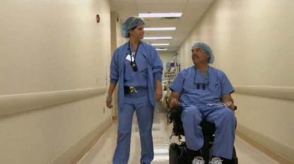 Dr. Ted Rummel: Ο παράλυτος χειρουργός (2)