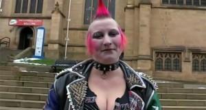 Απίστευτη μεταμόρφωση μιας punk κοπέλας (Video)