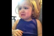 Δεν θα πιστεύετε γιατί κλαίει αυτό το κοριτσάκι