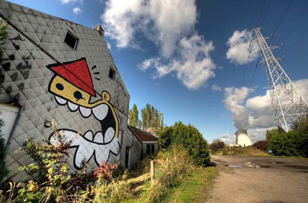 Doel: Το εγκαταλελειμμένο χωριό που παραδόθηκε στην τέχνη του δρόμου (2)
