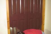 Ένας έφηβος αποφάσισε να βάψει την ντουλάπα του... (1)