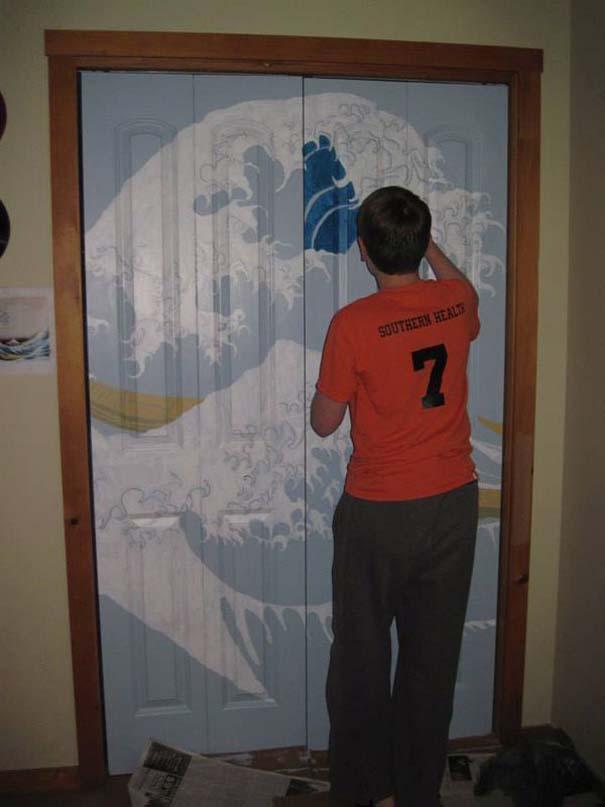 Ένας έφηβος αποφάσισε να βάψει την ντουλάπα του... (5)