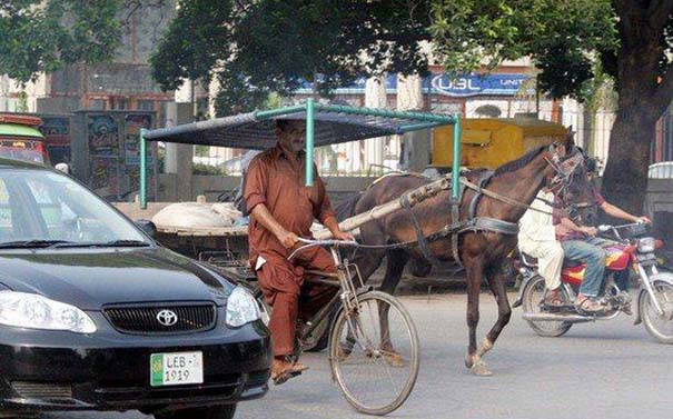 Εν τω μεταξύ στο Πακιστάν (1)