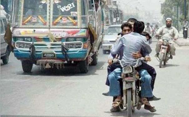 Εν τω μεταξύ στο Πακιστάν (4)