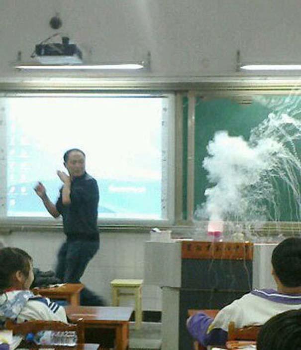 Εν τω μεταξύ, στα σχολεία της Ιαπωνίας... (5)