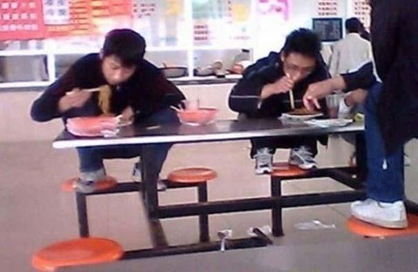 Εν τω μεταξύ, στα σχολεία της Ιαπωνίας... (24)