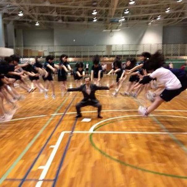 Εν τω μεταξύ, στα σχολεία της Ιαπωνίας... (26)