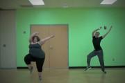Η εύσωμη χορεύτρια που έκανε το Internet να υποκλιθεί