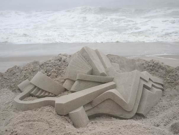 Γεωμετρικά κάστρα στην άμμο από τον Calvin Seibert (1)