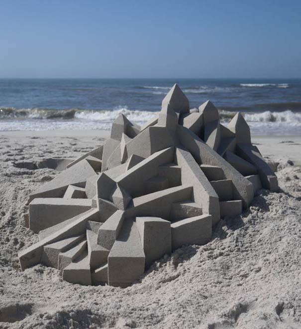 Γεωμετρικά κάστρα στην άμμο από τον Calvin Seibert (3)