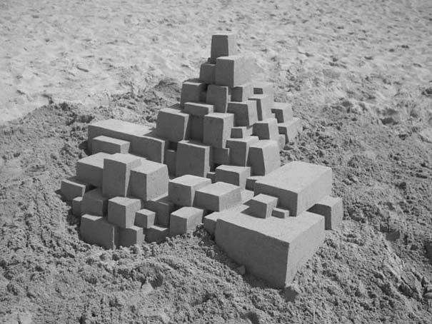 Γεωμετρικά κάστρα στην άμμο από τον Calvin Seibert (6)