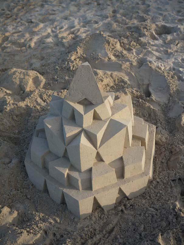 Γεωμετρικά κάστρα στην άμμο από τον Calvin Seibert (7)