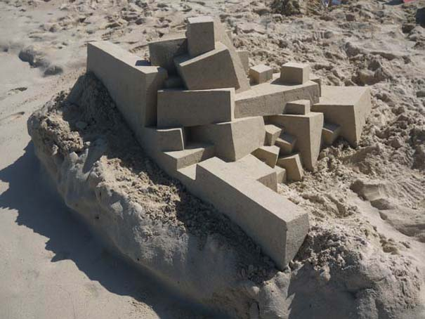 Γεωμετρικά κάστρα στην άμμο από τον Calvin Seibert (8)