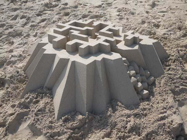 Γεωμετρικά κάστρα στην άμμο από τον Calvin Seibert (11)
