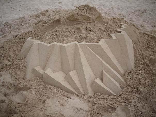 Γεωμετρικά κάστρα στην άμμο από τον Calvin Seibert (13)