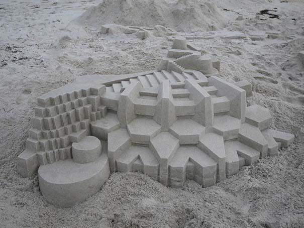 Γεωμετρικά κάστρα στην άμμο από τον Calvin Seibert (17)