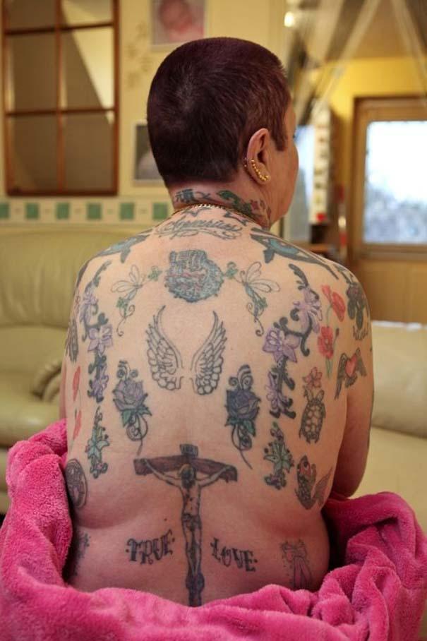 Η γιαγιά με τα 286 τατουάζ (2)