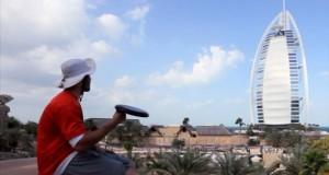 Απίστευτα κόλπα με frisbee στο Dubai (Video)
