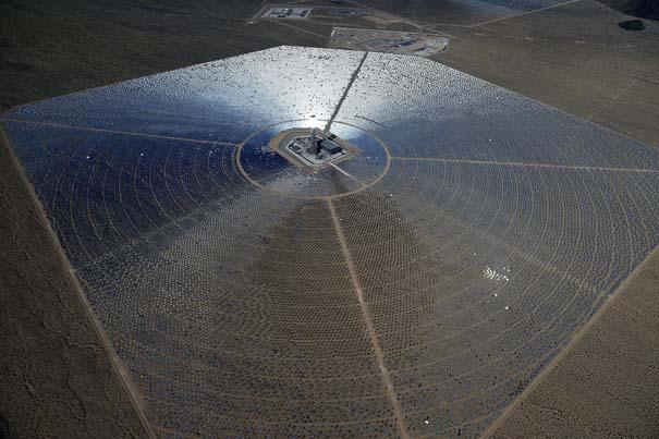 Ο μεγαλύτερος ηλιακός σταθμός παραγωγής ηλεκτρικής ενέργειας στον κόσμο (11)