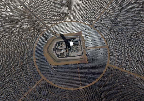 Ο μεγαλύτερος ηλιακός σταθμός παραγωγής ηλεκτρικής ενέργειας στον κόσμο (12)
