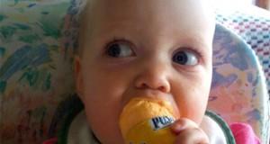 Μωρά δοκιμάζουν πράγματα για πρώτη φορά (Video)