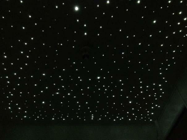 Ένα μωρό κοιμάται κάτω από τα αστέρια κάθε βράδυ (33)