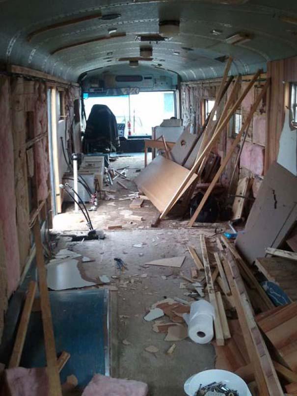 Οικογένεια μετέτρεψε σχολικό λεωφορείο σε σπίτι (2)