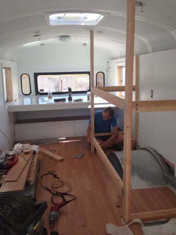 Οικογένεια μετέτρεψε σχολικό λεωφορείο σε σπίτι (8)