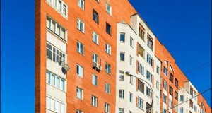 Περίεργη κι όμως αληθινή πολυκατοικία στη Ρωσία