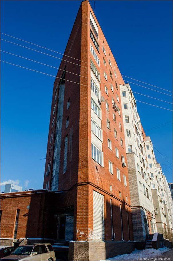 Περίεργη κι όμως αληθινή πολυκατοικία στη Ρωσία (5)