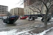 Περίεργο φαινόμενο σε parking αυτοκινήτων (4)