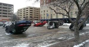 Περίεργο φαινόμενο σε parking αυτοκινήτων