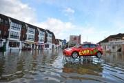 Πριν και μετά τις φονικές πλημμύρες στη Βρετανία (9)