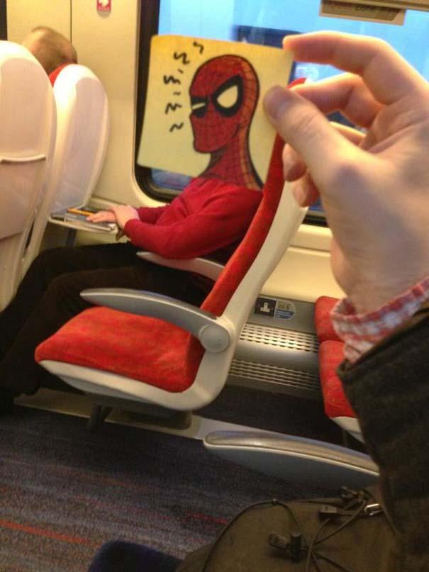 Σκιτσογράφος βρήκε έναν πολύ δημιουργικό τρόπο για να περνάει η ώρα στο τρένο (8)