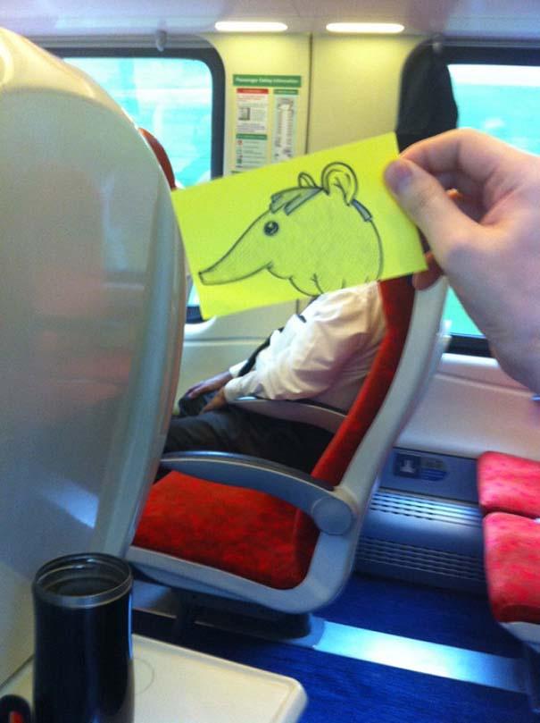 Σκιτσογράφος βρήκε έναν πολύ δημιουργικό τρόπο για να περνάει η ώρα στο τρένο (16)
