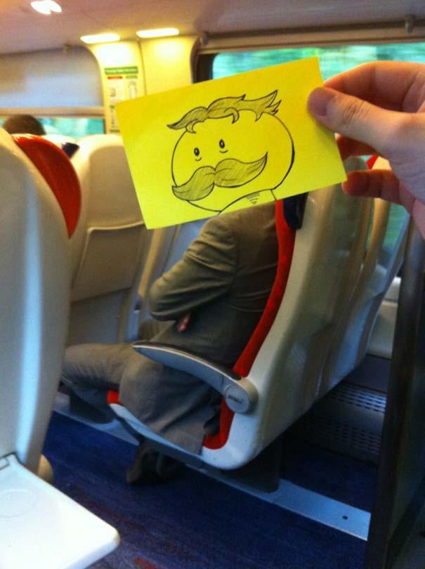 Σκιτσογράφος βρήκε έναν πολύ δημιουργικό τρόπο για να περνάει η ώρα στο τρένο (19)