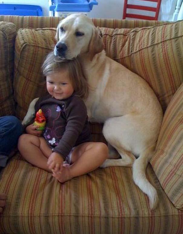 Φωτογραφίες που αποδεικνύουν πως οι σκύλοι είναι οι καλύτεροι φίλοι των παιδιών (11)
