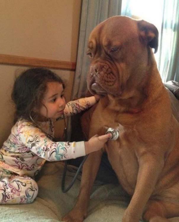 Φωτογραφίες που αποδεικνύουν πως οι σκύλοι είναι οι καλύτεροι φίλοι των παιδιών (17)