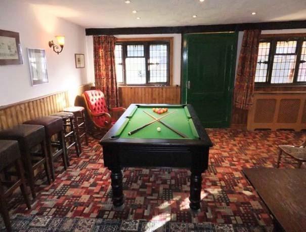 Σπίτι με ιδιωτική Pub (16)