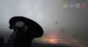 Στο εσωτερικό ενός ανεμοστρόβιλου (Video)
