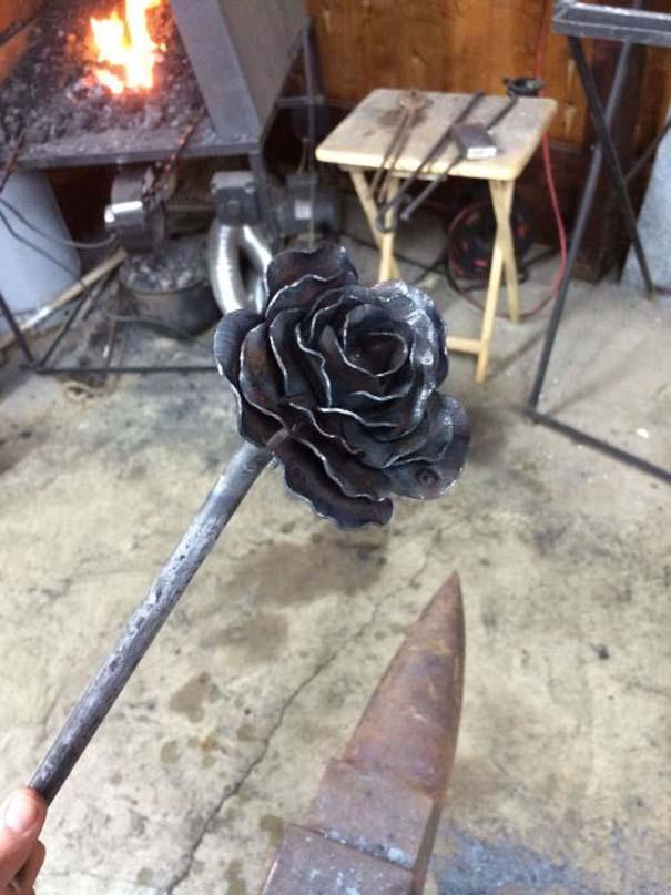 Τριαντάφυλλο από ατσάλι (8)