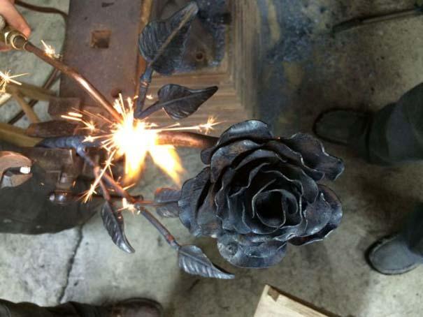 Τριαντάφυλλο από ατσάλι (11)