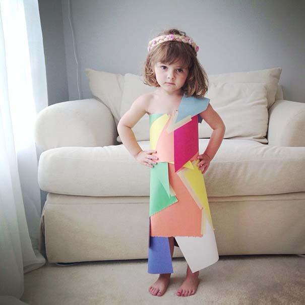 4χρονη δημιουργεί με τη μητέρα της εκπληκτικά φορέματα από χαρτί (2)
